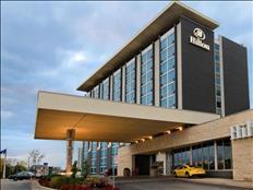 Viaja y trabaja en el hotel Hilton Canada