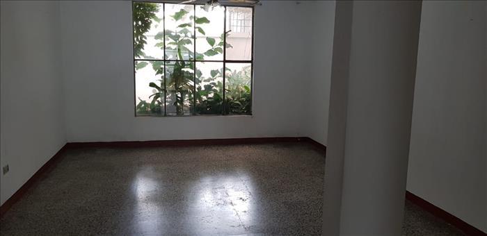 Renta De Amplia Casa En Zona 11 Mariscal