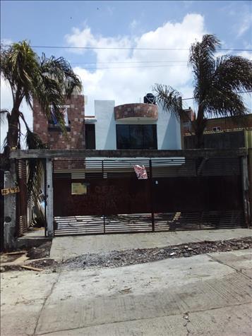 SE VENDE CASA EN EL FRACC. DEFENSORES DE PUEBLA