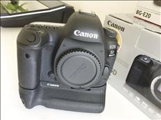Canon EOS 5D Classic Camera-28-135mm Lente