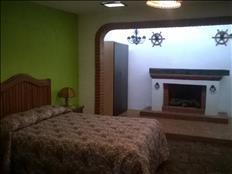 Recámara amueblada 3200 baño privado cochera internet Puebla