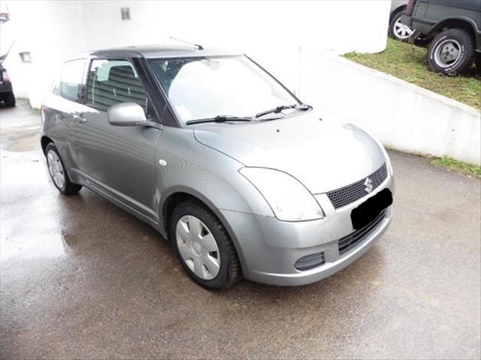 Vendo Mi Suzuki Swift 1.3 GL