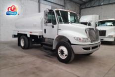 Camión pipa de agua de 10,000 litros