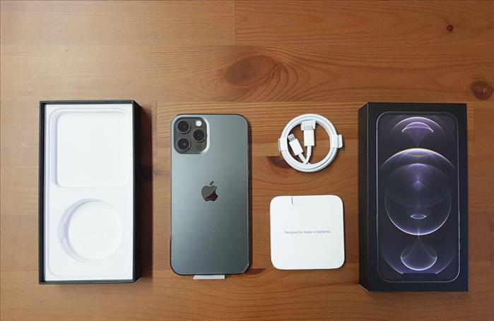 Apple Iphone 12 Pro Max 512Gb. Whats-App : +18024328434