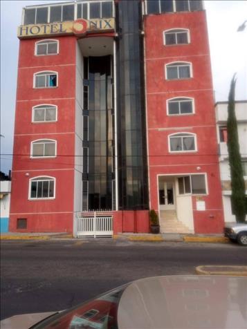 SE VENDE HOTEL FRENTE A LA CENTRAL CAMIONERA, (ONIX)