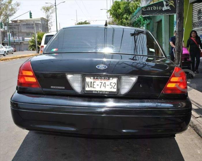 CROWN VICTORIA P71 POLICE INTERCEPTOR 2005 NACIONAL