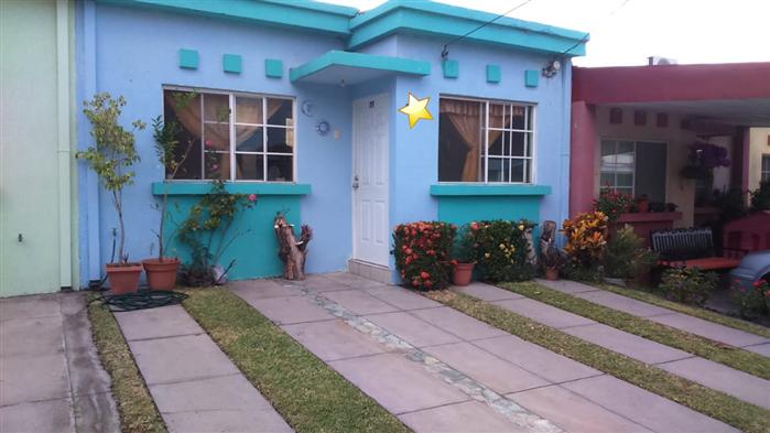 Vendo Bonita Casa En Res. Bella Granada