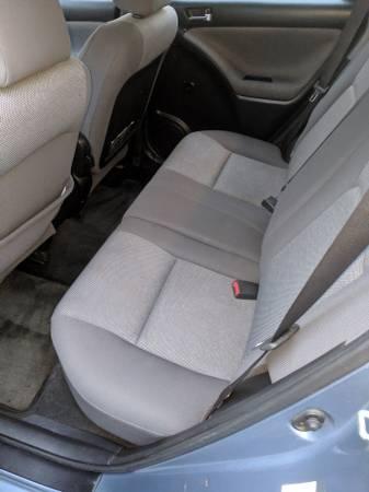 2004 Toyota Corolla Matrix XR  Like New